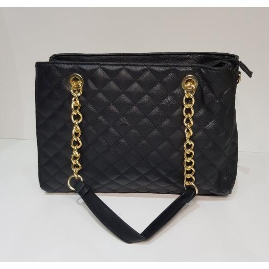 Μαύρη καπιτονέ τσάντα